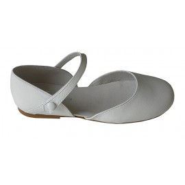 Sandalia redonda blanca