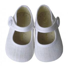 Mercedes bebé lino blanco.