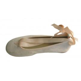 Bailarina cintas ante beig.