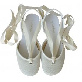 Sandalia cintas lino hueso