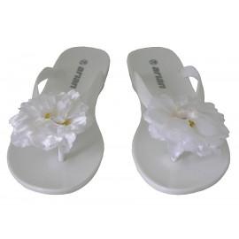 Chancla flor blanca